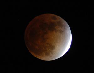 Full Moon Lunar Eclipse_publicdomainNASA-72dpi