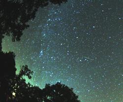 Perseid_meteor_2007_broken-inaglory2.jpg